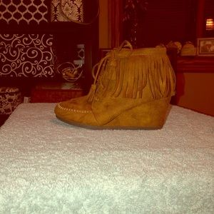 City Classified Wedge Moccasins size 7
